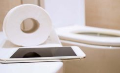 More Pinoy Households Have Cellphones Than Toilets